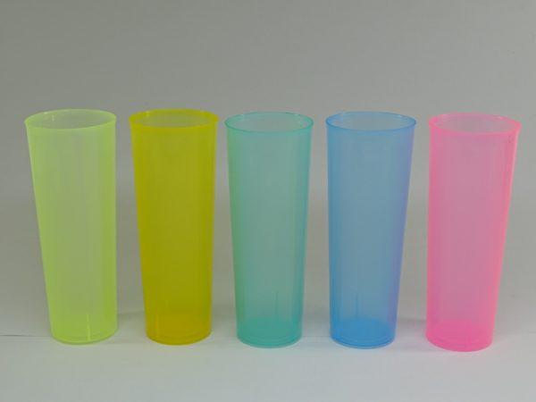 TUBO COLOR.irrombiple 600x450 - Vaso de tubo de plástico irrompible de colores